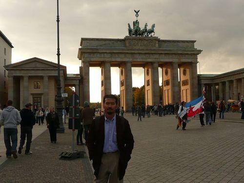 Brandenburg Gate lagi!