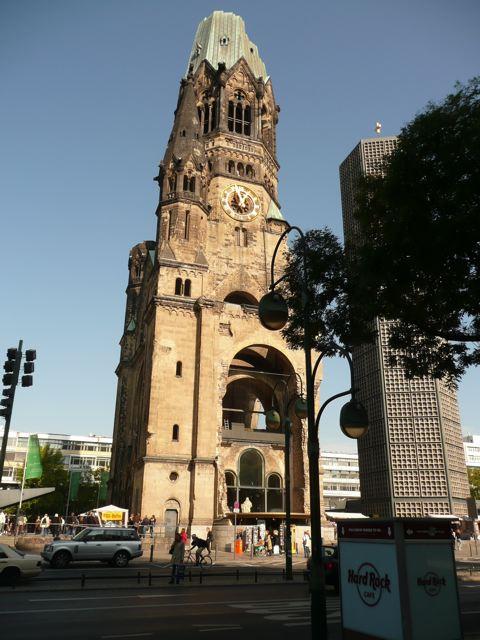 Gereja Tinggalan Perang Dunia